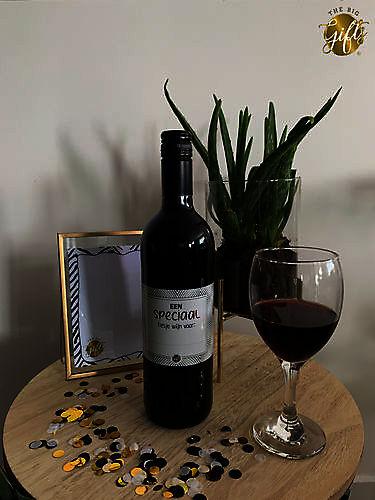 Wijnfles rood 'een speciaal flesje wijn voor...'