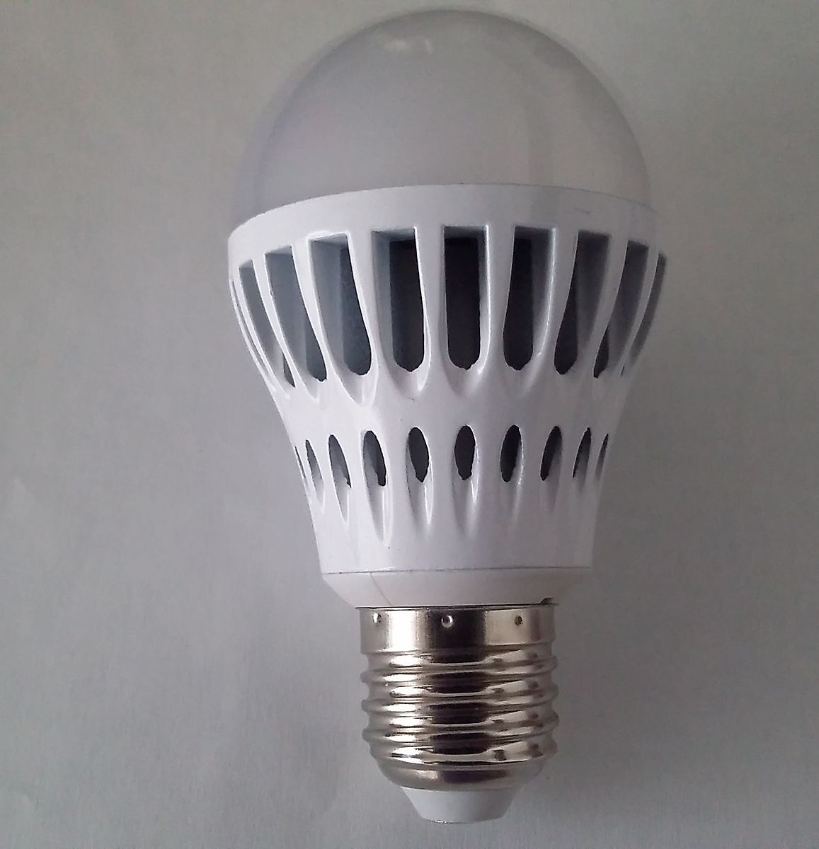 100 watt light bulb led bulb winschoten24. Black Bedroom Furniture Sets. Home Design Ideas